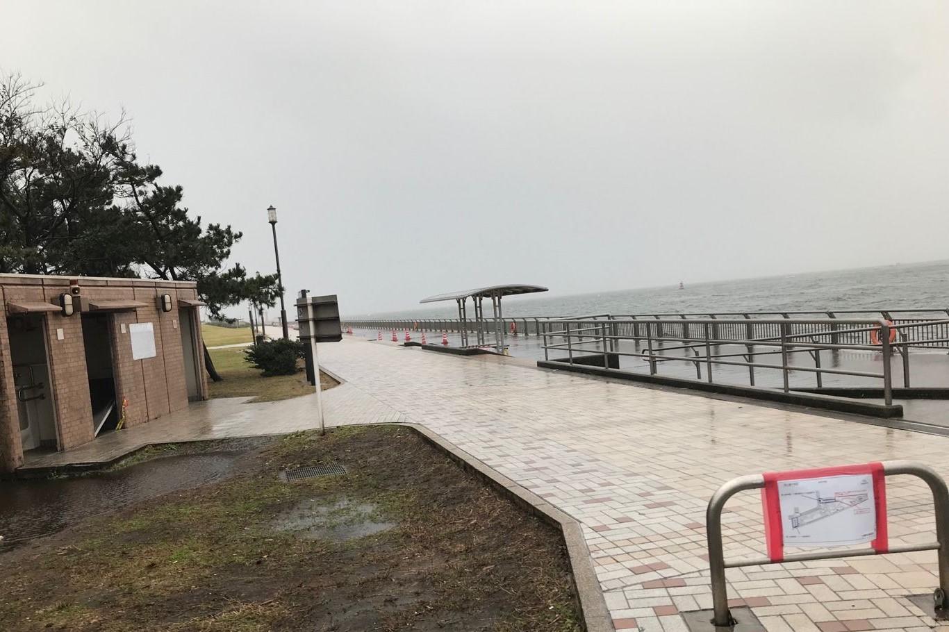雨上がりの東扇島西公園